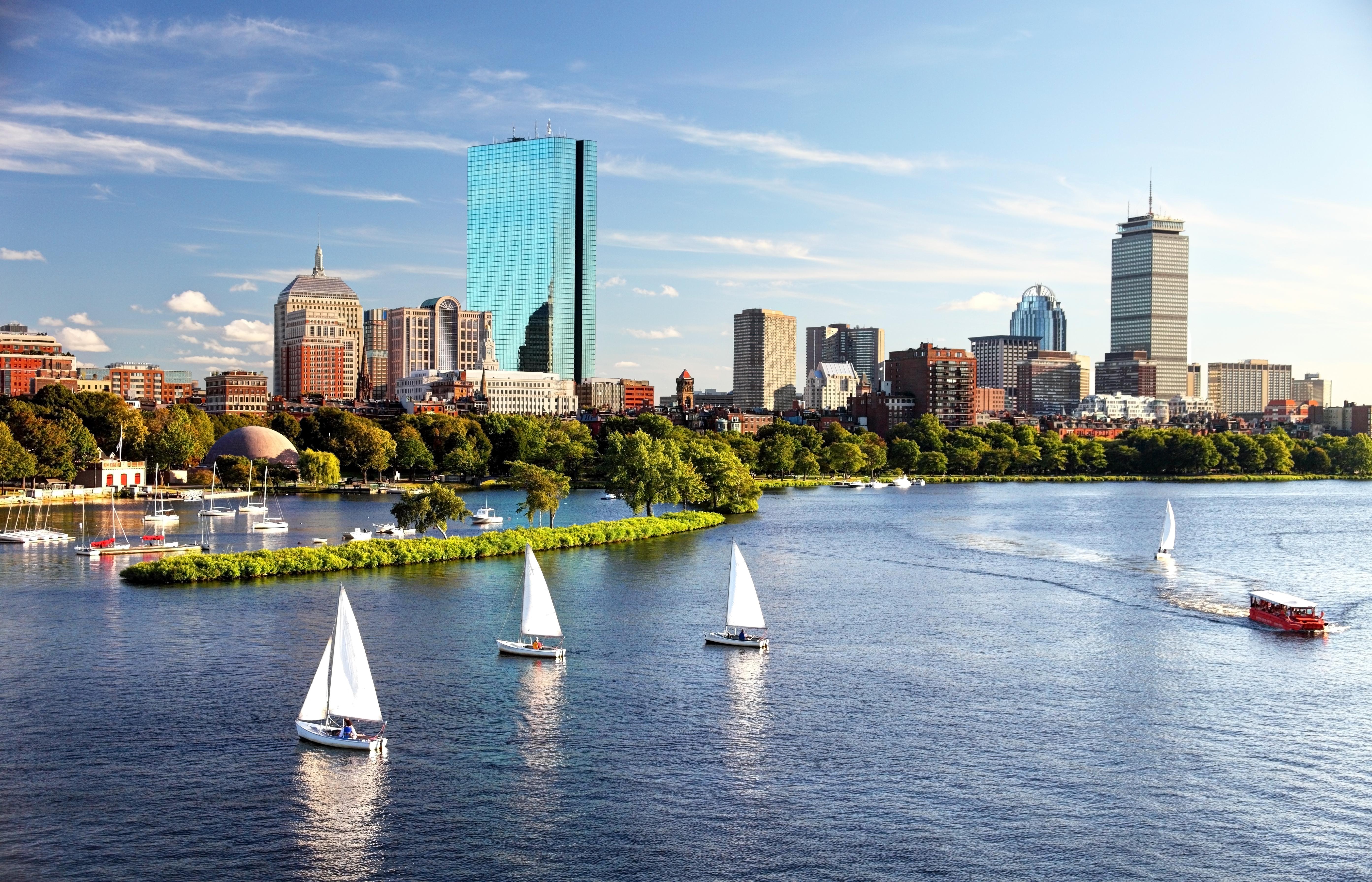 Sailing-in-Boston-469769544_5573x3584-1
